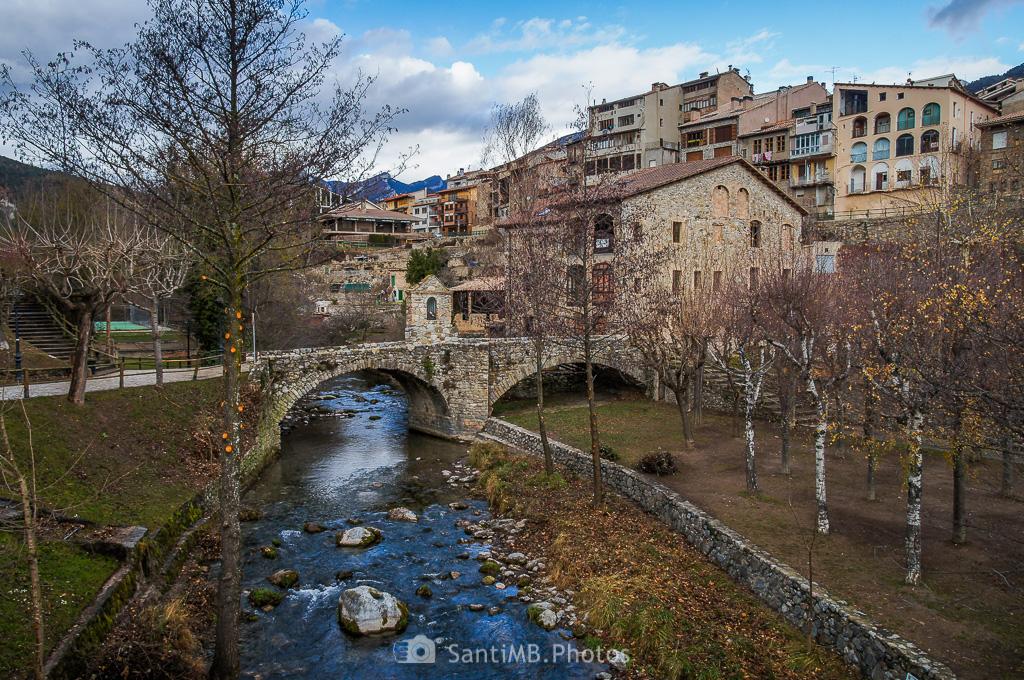 El Pont de la Vila sobre el Bastareny