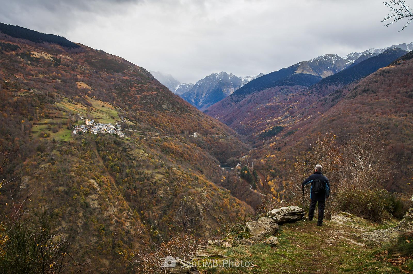 Vista de Canejan y la Vall de Toran desde cerca del Bosc de Carlac en Bausen